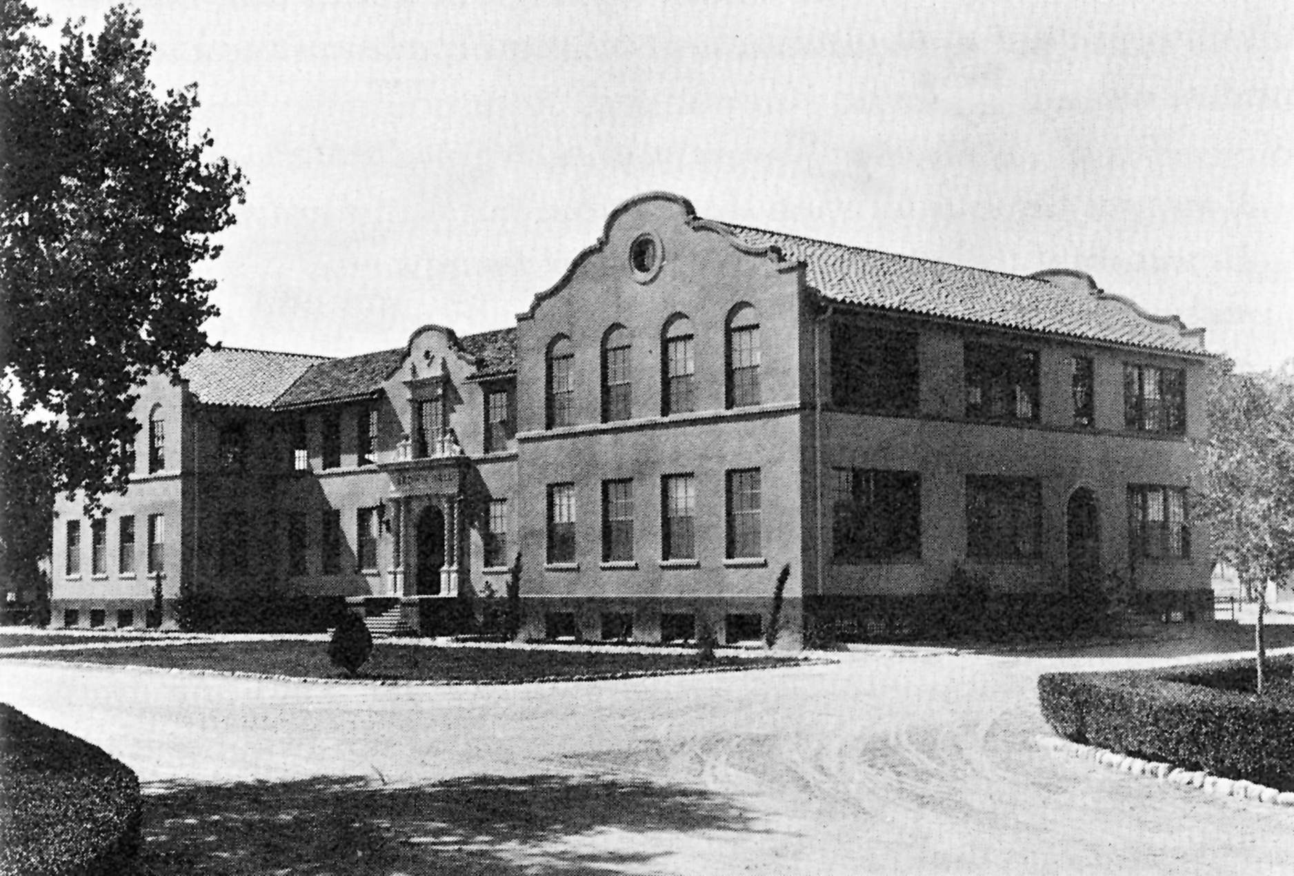 Brown Hall early 1930s